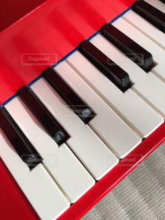 おもちゃのピアノの写真・画像素材[1007265]