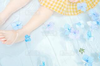 自分撮りをする女の子の写真・画像素材[4717349]