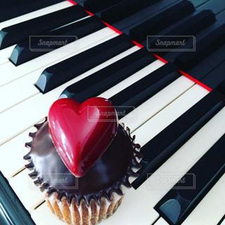 ケーキ,赤,ピアノ,ハート,カップケーキ,お菓子,音楽,鍵盤,心,グランドピアノ