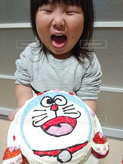 ケーキ,子供,女の子,苺,生クリーム,手作り,ドラえもん,3歳