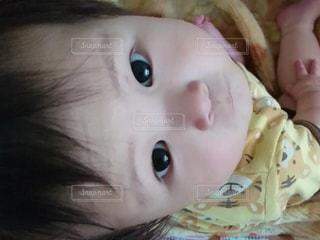家族,子供,赤ちゃん,男の子,目,乳児,上目,両目,生後10ヵ月