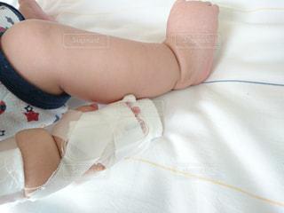 子供,赤ちゃん,男の子,病院,入院,点滴,乳児,医療,病室,生後10ヵ月