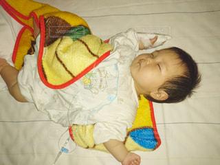 子供,睡眠,男の子,寝相,病院,入院,点滴,乳児,医療,病室,生後10ヵ月