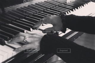 ピアノの鍵盤の写真・画像素材[853009]
