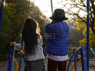 公園,後ろ姿,女の子,後姿,男の子,兄妹