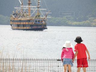 後ろ姿,女の子,後姿,こども,箱根,男の子,芦ノ湖,おでかけ