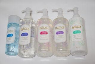 プラスチック製の水ボトル - No.718824