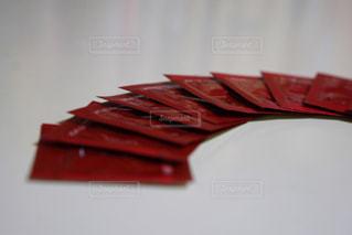近くに赤いテーブルのアップ - No.761379