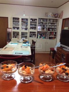 朝食,屋内,テーブル,フルーツ,皿
