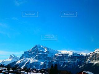 雪に覆われた山の写真・画像素材[1739642]