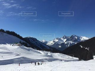 雪に覆われた山の写真・画像素材[1739679]