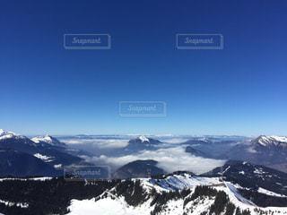 雪に覆われた山の写真・画像素材[1739681]