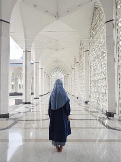 女性,青,後ろ姿,人物,背中,人,ブルー,マレーシア,モスク,ブルーモスク,Malaysia