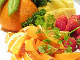 食べ物,赤,黄色,オレンジ,苺,フルーツ,果物,果実,パイナップル,パーティー,盛り合わせ