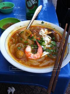 食べ物,食事,屋台,野菜,料理,ベトナム,麺,エビ,安い,お手軽,ヌードル,サイゴン,豚足,コク