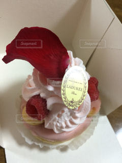 ケーキ,バラ,薔薇,ローズ,ラデュレ,LADUREE,イスパハン
