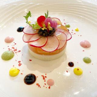 花嫁のように可愛らしかったホテル・ウェディングの前菜サラダの写真・画像素材[3906982]