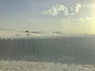 砂の中の雲のグループの写真・画像素材[913223]