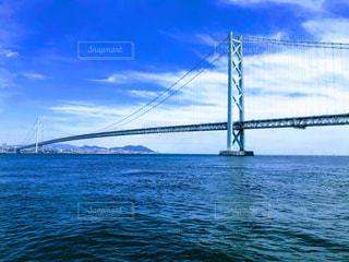 水域に架かる橋の写真・画像素材[2332868]