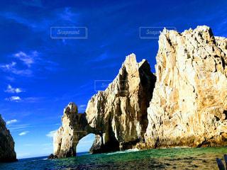 大きな岩のクローズアップの写真・画像素材[2332882]