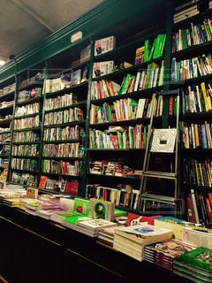 緑の本屋さんの写真・画像素材[753497]
