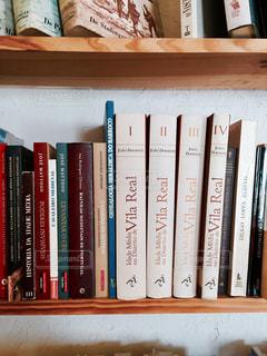 本棚は本でいっぱいの写真・画像素材[755685]