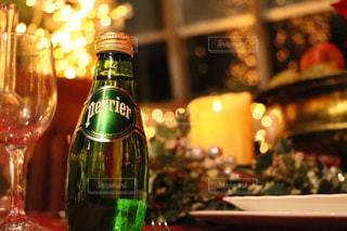 クローズ ボトル、ワインのガラスのの写真・画像素材[902743]