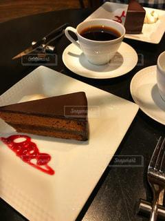 クローズ アップ食べ物の皿とコーヒー カップの写真・画像素材[805925]