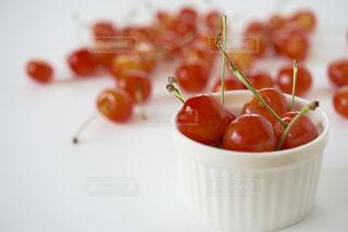 食べ物,赤,白,フルーツ,果物,さくらんぼ,くだもの,果実,食材,自宅,佐藤錦,白バック