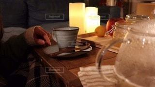 テーブルの上でコーヒーを一杯の写真・画像素材[2903276]