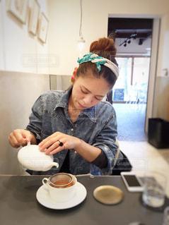 女性,カフェ,紅茶,cup,京都市,ウサギノネドコ