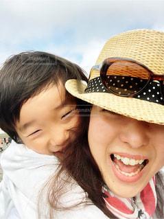 ママと息子の笑い声の写真・画像素材[2376306]
