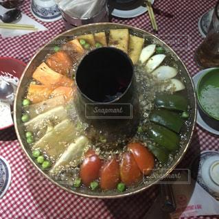 トマト,野菜,鍋,ピーマン,豆腐,卵,晩御飯,美味しい,海外旅行,ネパール,にんじん,春雨,グリンピース,チベット料理