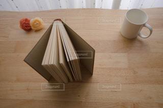 本,読書,家,テーブル,カップ
