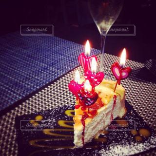 スイーツ,ケーキ,パーティ,海外,ヨーロッパ,ハート,キャンドル,ロマンチック,スペイン,バルセロナ,誕生日,お祝い,ラブ,女子会,友達,お洒落,チーズケーキ,バースデー