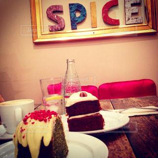 スイーツ,カフェ,ケーキ,海外,カラフル,ヨーロッパ,可愛い,スペイン,バルセロナ,女子会,友達,お洒落,スパイス,ファンシー