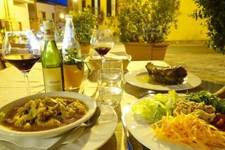 夏,海外,テラス,ヨーロッパ,ワイン,サラダ,ロマンチック,レストラン,イタリア,バカンス,リゾート,グルメ,シチリア,トリッパ,ラグーザ,Cucina e Vino