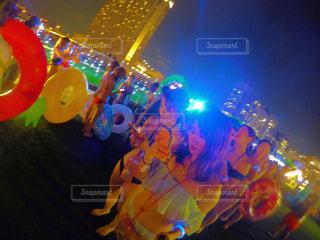 カラフルな風船のグループの写真・画像素材[708294]