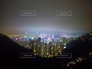 夜の街の景色の写真・画像素材[1016514]