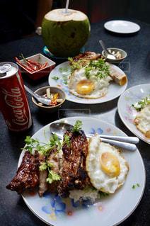 ベトナム,ホーチミン,骨付き豚肉,コムタム,Cơm Tấm Nguyễn Văn Cừ
