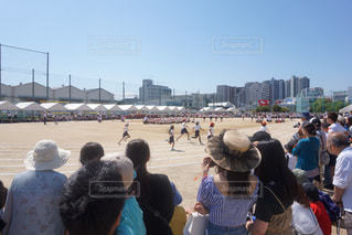 応援にも力がはいる徒競走の写真・画像素材[2105201]