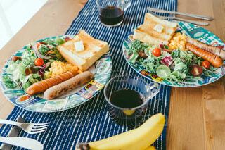 週末のゆっくり朝食の写真・画像素材[4423302]