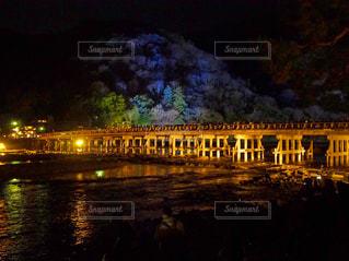水の体の上を橋を渡るの写真・画像素材[919244]