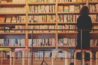 本棚のクローズアップの写真・画像素材[2893108]