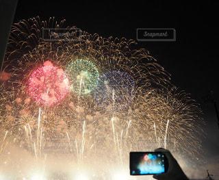 夜空,綺麗,花火,スマホ,夏祭り