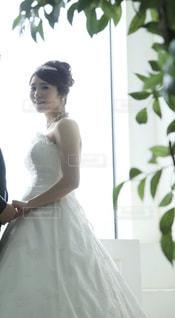 ウェディング ドレスを着た女性の写真・画像素材[818190]