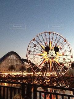 乗り物,屋外,海外,観覧車,夕暮れ,夕方,アメリカ,観光,遊園地,旅行,ロサンゼルス,ディズニーランド,西海岸,ミッキー,カリフォルニア