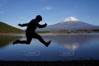 山を飛び越えろの写真・画像素材[3022207]