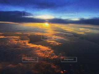 バンコク上空、機内にての写真・画像素材[958770]