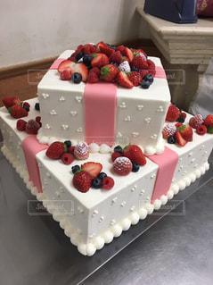 ケーキ,プレゼント,手作り,2段,イチゴ,ウェディング